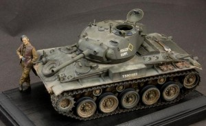 Bronco 1:35 M24 Chaffee