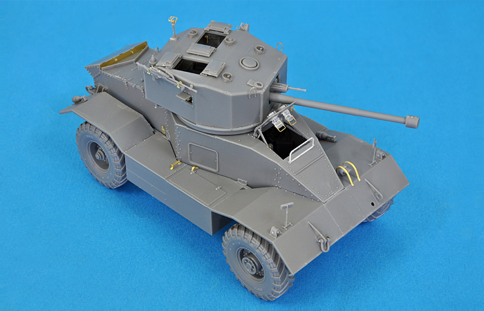 MiniArt 1:35 AEC Mk.II armoured car
